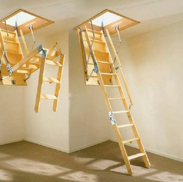 Escada retrátil super funcional para acesso ao sótão