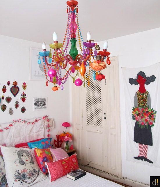 Lustre candelabro infantil e colorido
