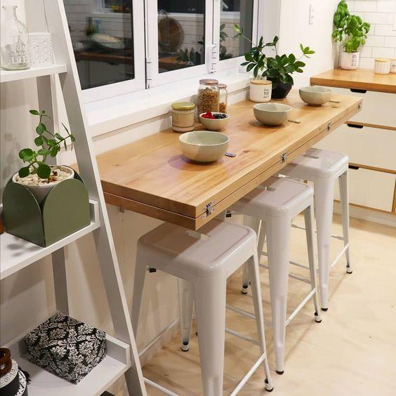 Mesa dobrável para ambientes compactos