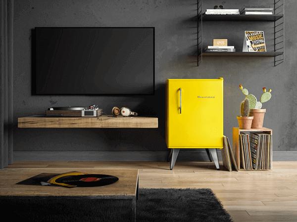 Mini geladeira em tons de amarelo
