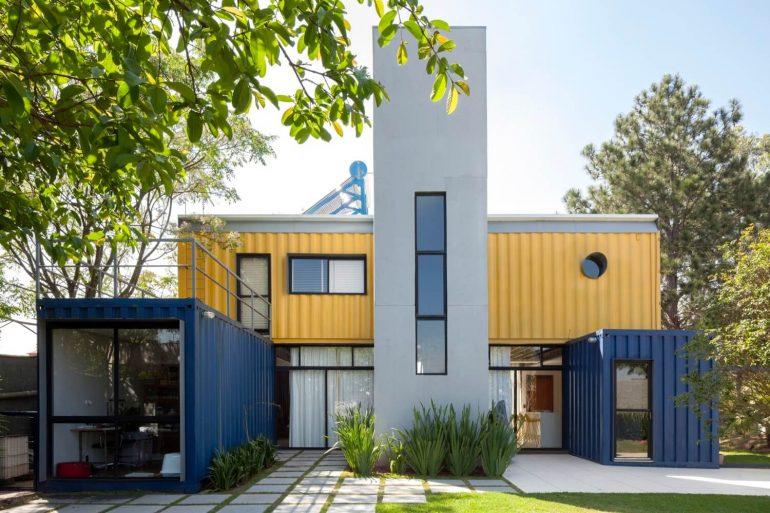 Modelo de casa container na Granja Viana