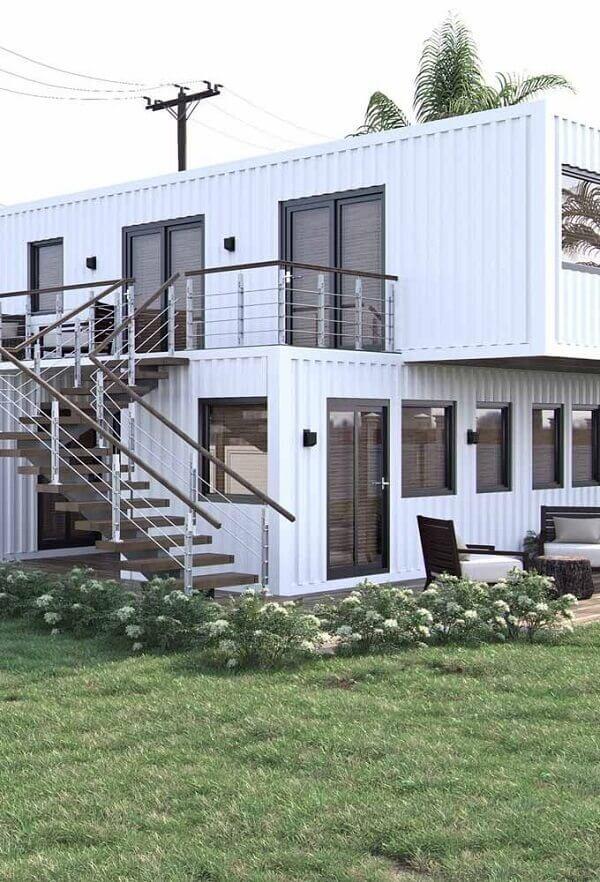 Modelo de fachada de uma casa container