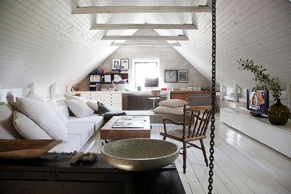 O estilo escandinavo encanta a decoração desse sótão