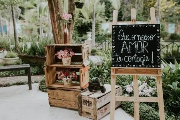 Plaquinha decorativa para casamento na entrada do evento