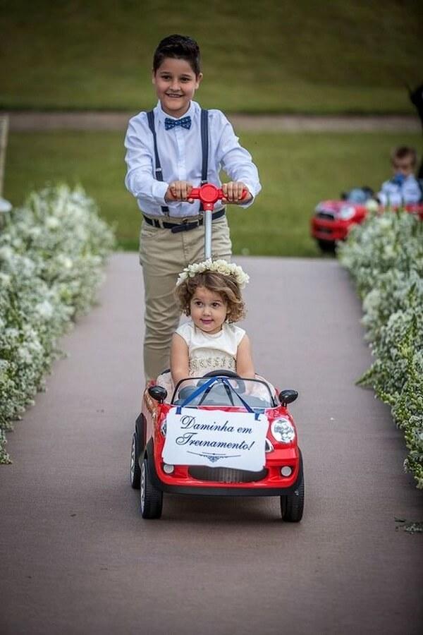 Plaquinhas de casamento divertidas para a entrada da noiva