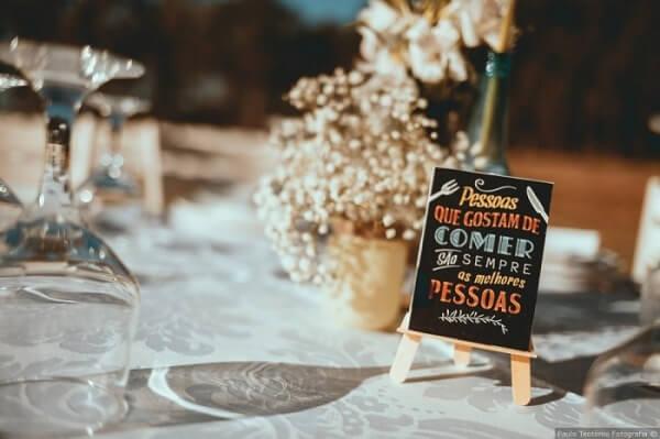 Plaquinhas de casamento para serem expostas nas mesas dos convidados