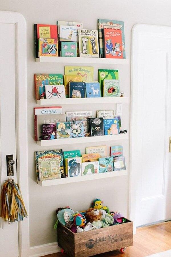 Prateleira para livros de parede