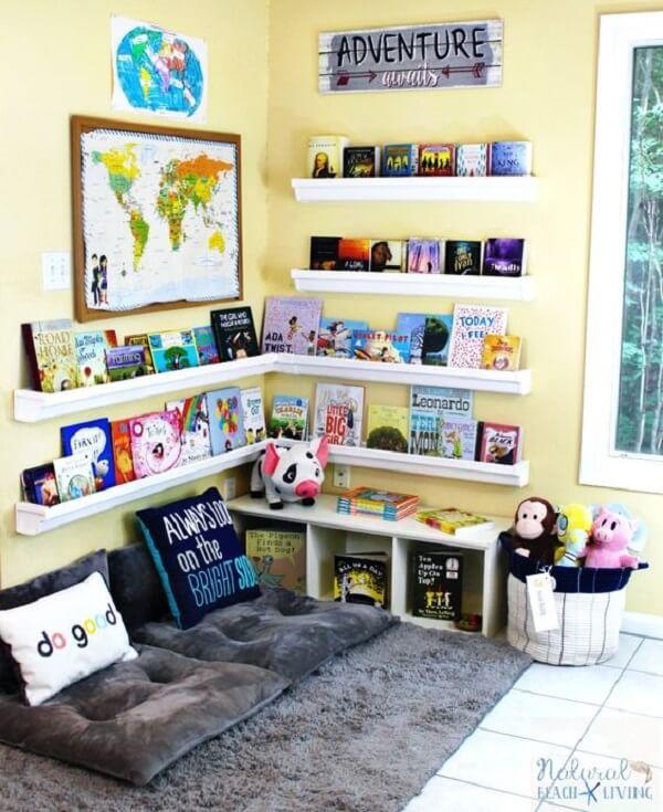 Prateleira para livros infantil em formato de l