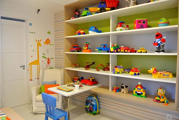 Quarto infantil planejado prateleira para guardar brinquedos