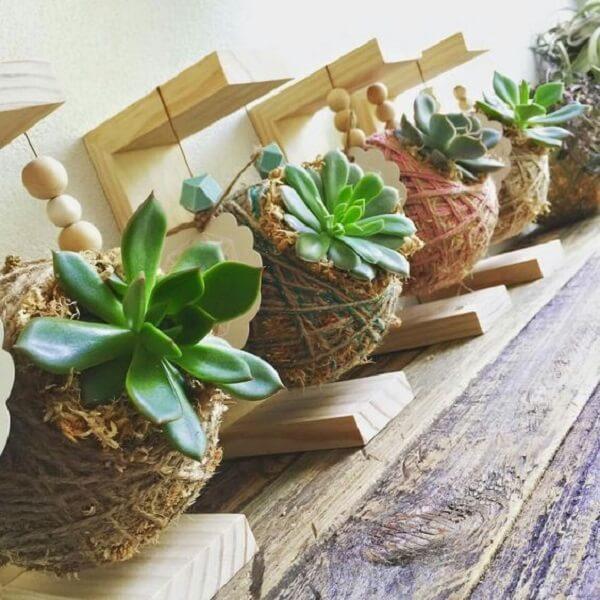 Suporte de madeira para pendurar a kokedama