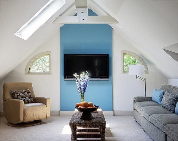 Texturas e tons neutros fazem parte da decoração desse sótão