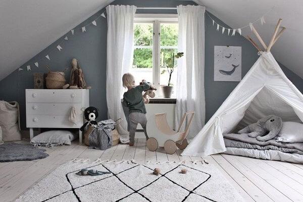 Utilize o cômodo para estruturar um ambiente de diversão aos pequenos