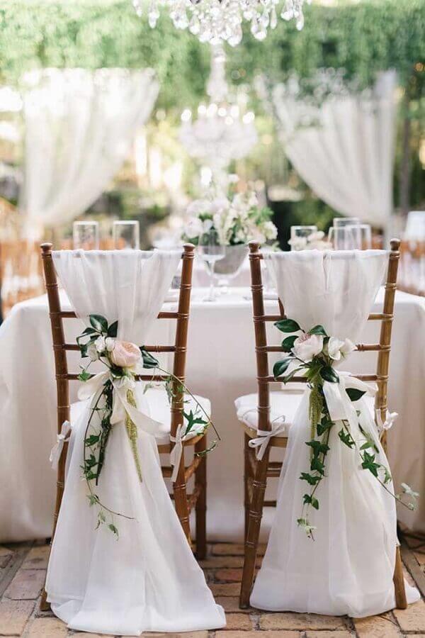 arranjo para decoração de cadeiras em bodas de casamento Foto Wedding Decor