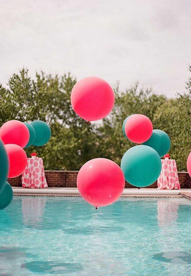 balões para festa na piscina decorada Foto Pinosy