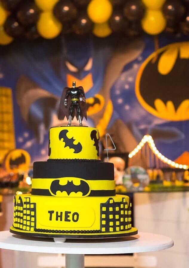 bolo decorado para festa do batman Foto Pinosy