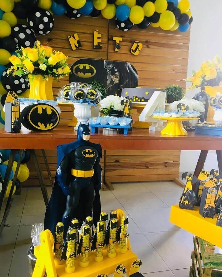 boneco para decoração de festa do batman Foto Pinterest