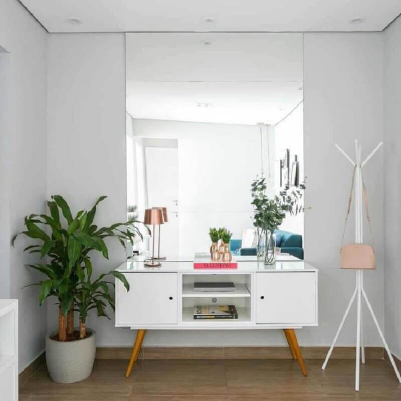 cabideiro de chão branco Foto Criar Interiores