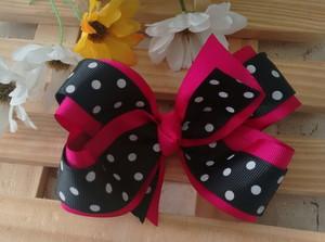 como fazer laço de fita - laço de fita duplo rosa e preto com bolinhas brancas