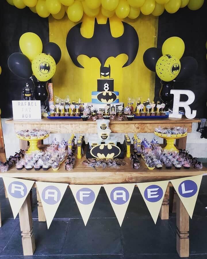 decoração com bexiga para festa do batman Foto Lemonade Atelier