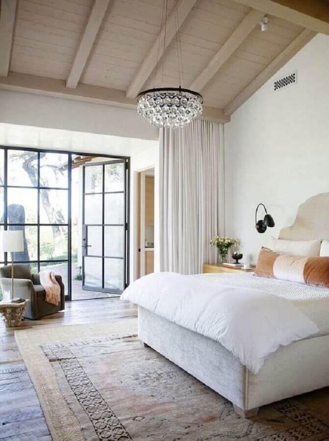 decoração com lustre para quarto de casal com detalhes em cristais Foto Home Frame Design