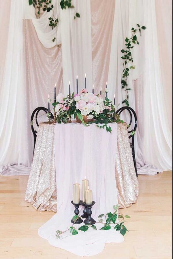 decoração de bodas de casamento com flores e velas Foto Pinosy