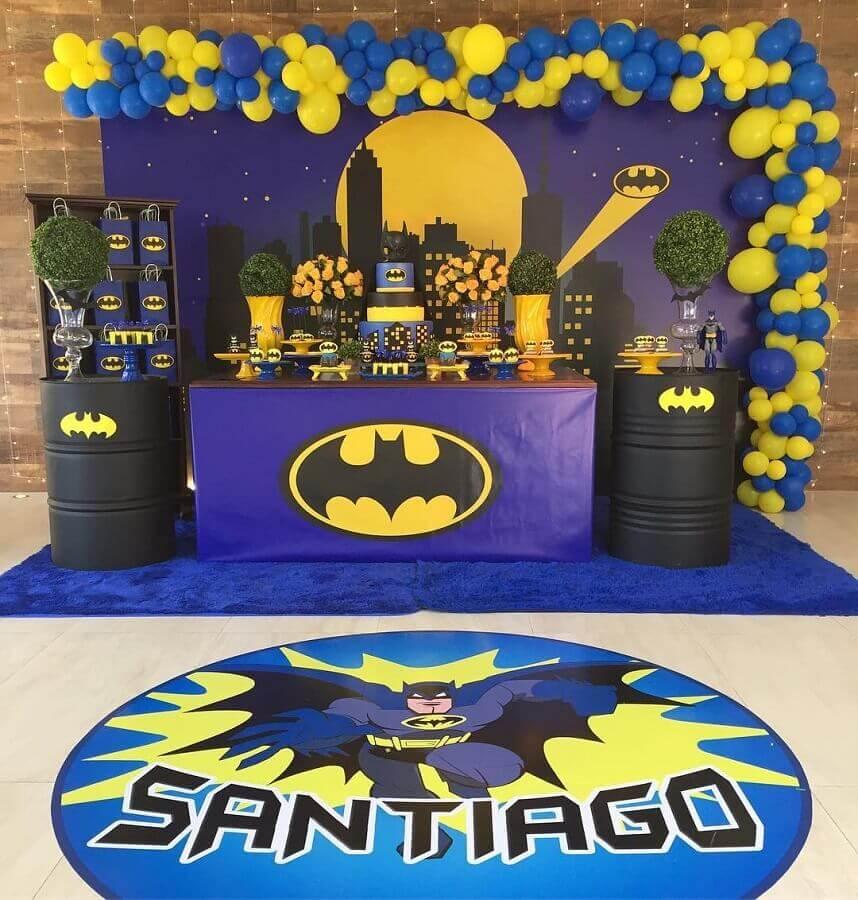 decoração de festa do batman com tons de azul Foto Hiromy Muyuro