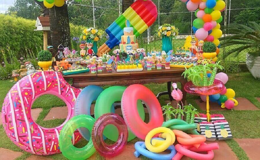 decoração de mesa de bolo festa na piscina Foto Filhos, Trabalho e Amor