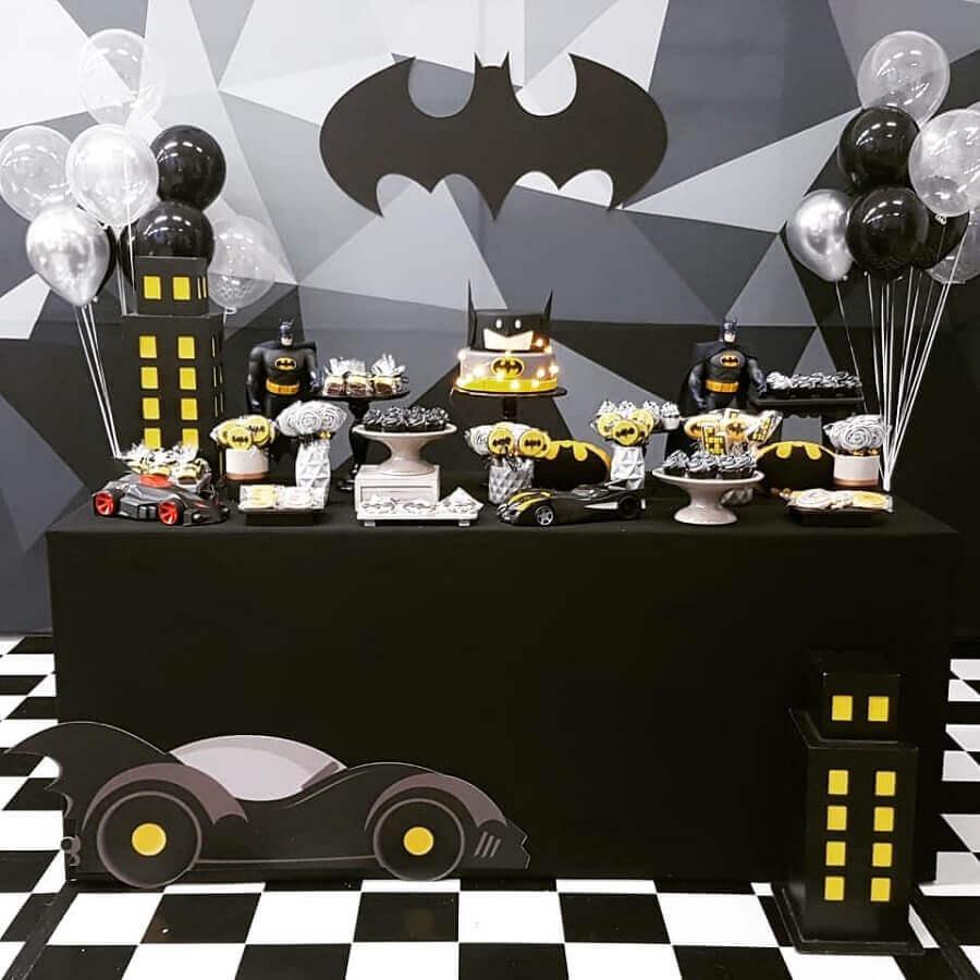 decoração em preto e cinza para festa de aniversário do batman Foto Arquiteta Party Decor