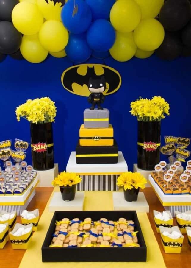 decoração festa infantil do batman com painel simples Foto Zozu