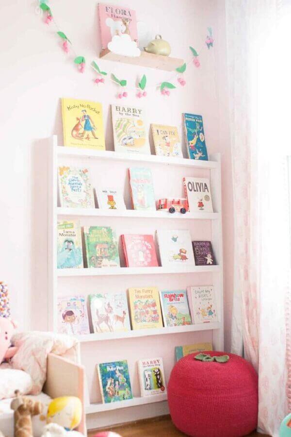 decoração para quarto infantil com estante para livros Foto Lay Baby Lay