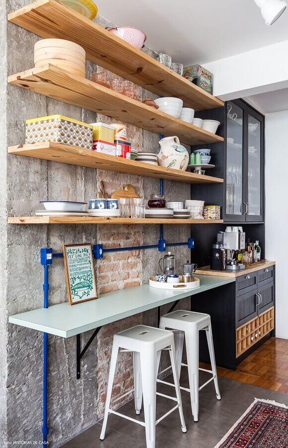 decoração simples com prateleira de madeira rústica Foto Pinterest