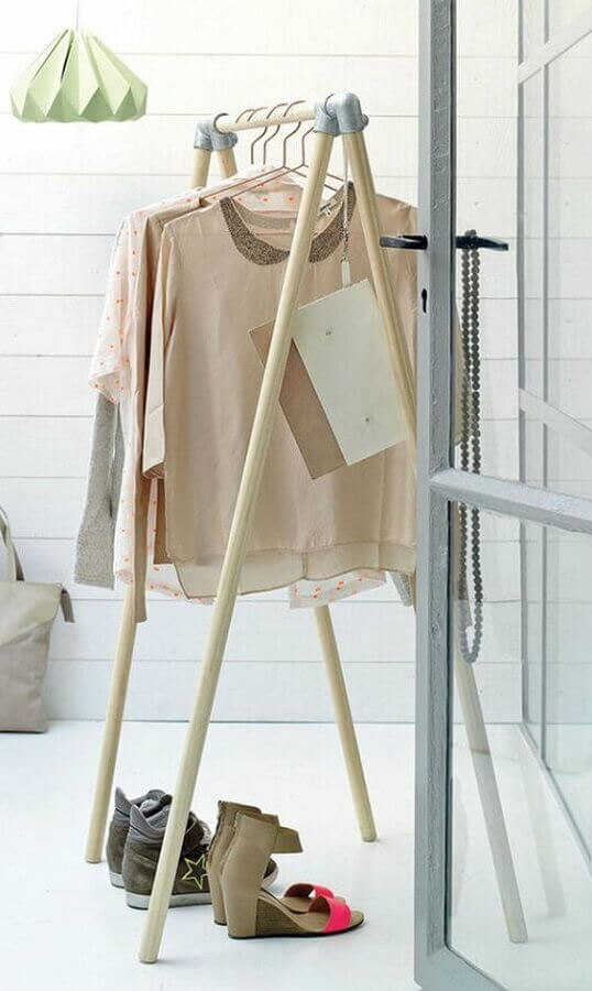 design minimalista de cabideiro arara Foto Apartment Therapy