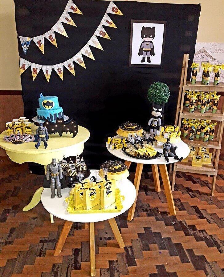 detalhes decorativos festa do batman Foto Amor de May Decorações