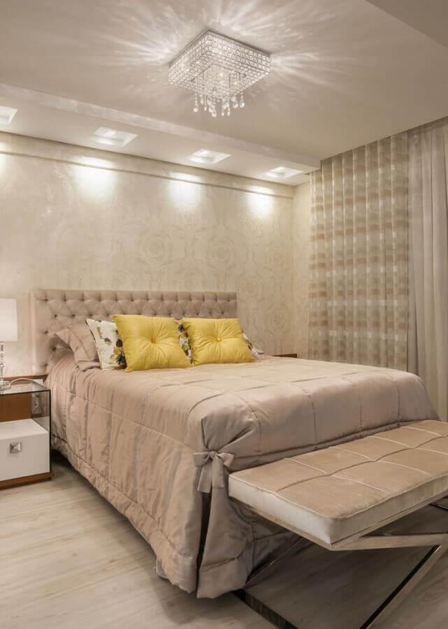 detalhes em cristais para lustre de teto para quarto de casal Foto Melissa Bulla Baron