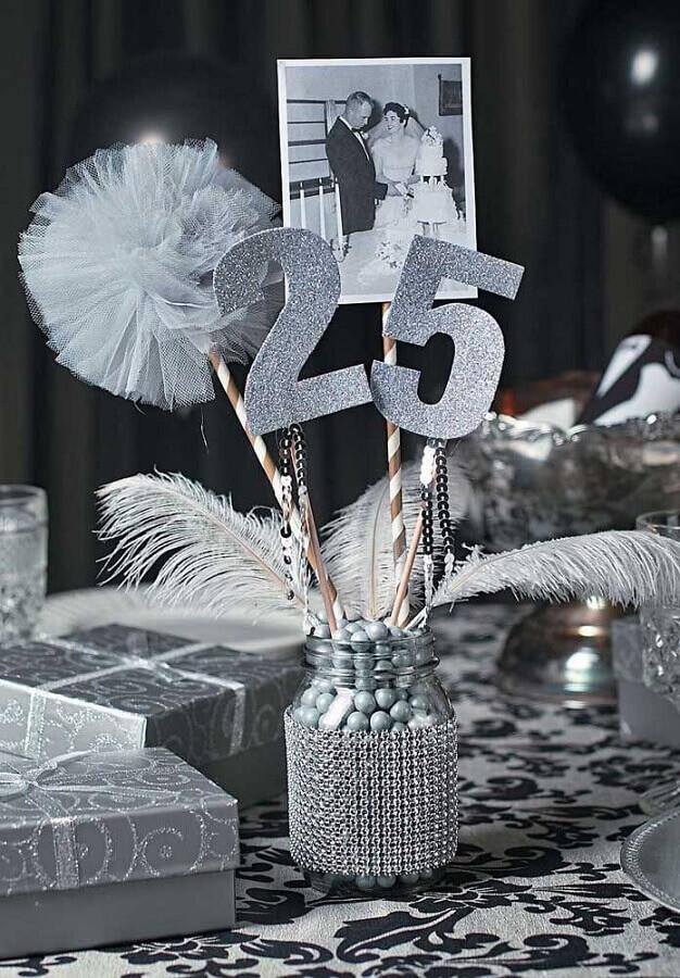 detalhes para decoração de bodas de prata Foto Pinosy