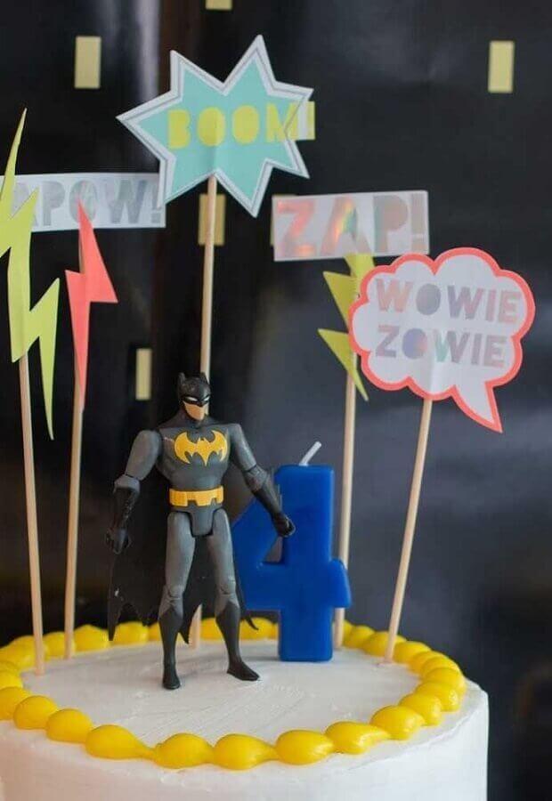 detalhes para decoração de bolo em festa do batman Foto Creative Cake Designs