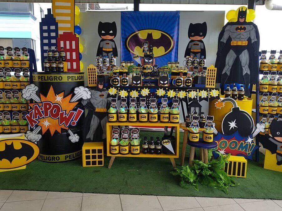 detalhes para decoração de mesa de festa infantil do batman Foto The Fashion Party