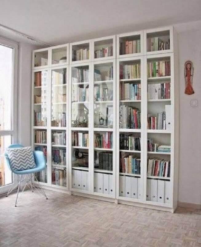estante para livros com porta de vidro Foto Vermischt Blog