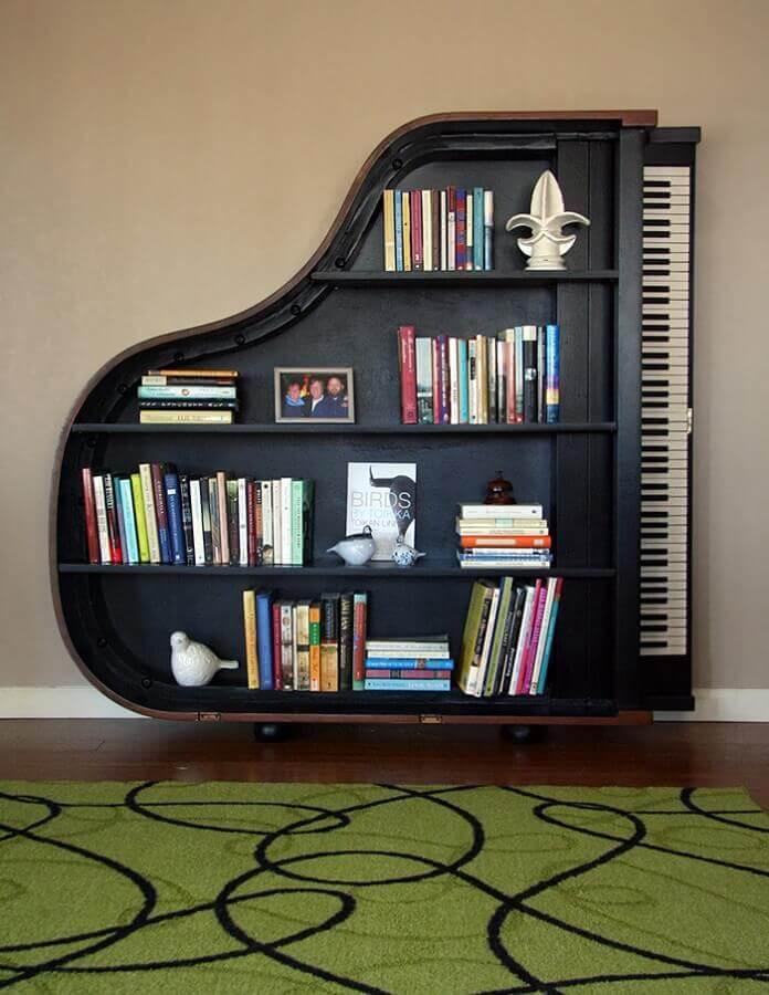 estante para livros em formato de piano Foto We Heart It