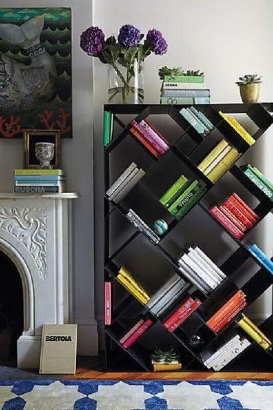 estante pequena para livros com design moderno Foto Apartment Therapy