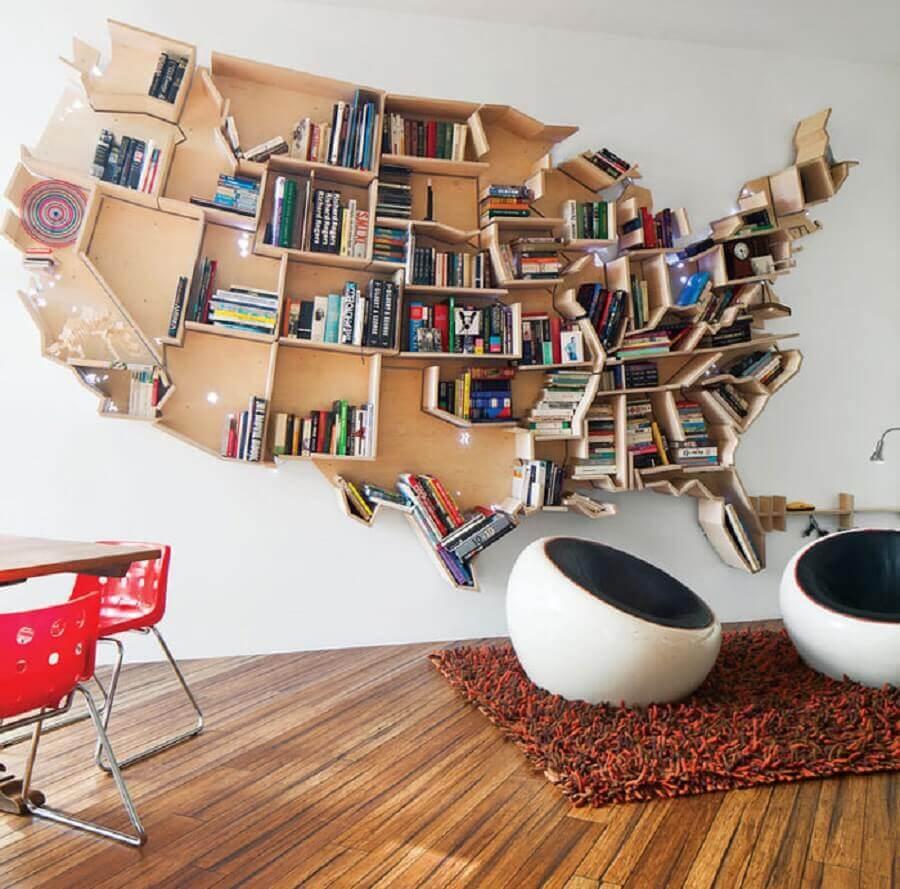estantes para livros de parede com formato de mapa Foto Yandex