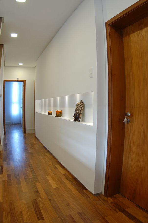 gesso acartonado - corredor com nicho em parede de gesso