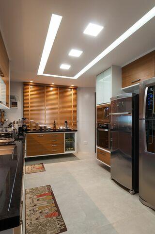 gesso acartonado - cozinha com sanca vazada e iluminada