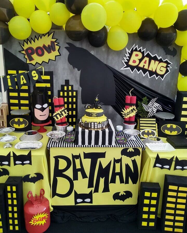 ideia de decoração para mesa de festa do batman Foto Hecho a Mano