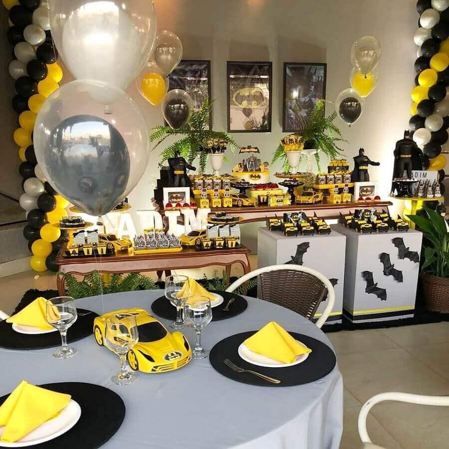 ideia para decoração de mesa em festa infantil do batman Foto Roberta da Mata