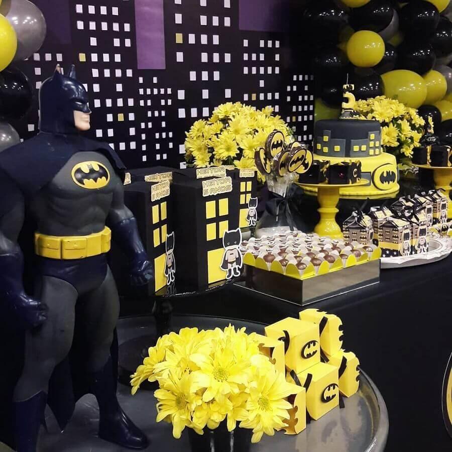 linda decorada para festa do batman Foto Rúbia Nascimento