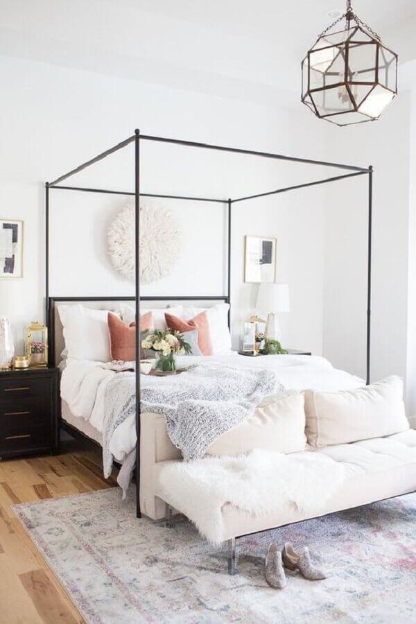 lustre para quarto de casal decorado com dossel Foto Pinterest