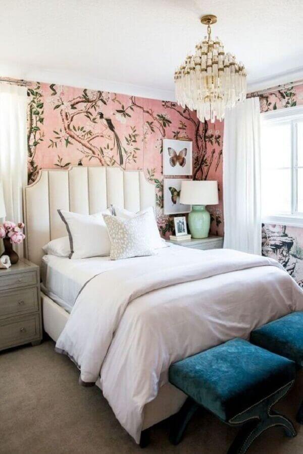 lustre para quarto de casal decorado com papel floral Foto We Heart It