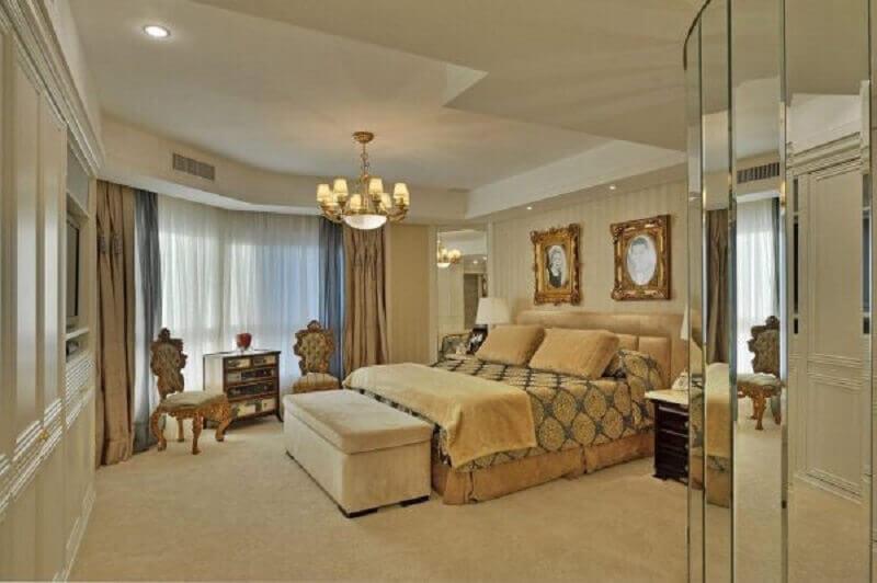 lustre para quarto de casal sofisticado todo decorado em tons neutros Foto Patricia Palazi Argachof
