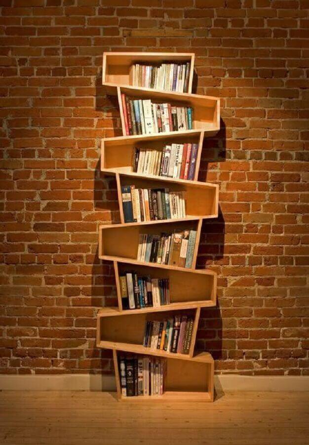 modelo de estante pequena para livros feita em madeira Foto Pinterest